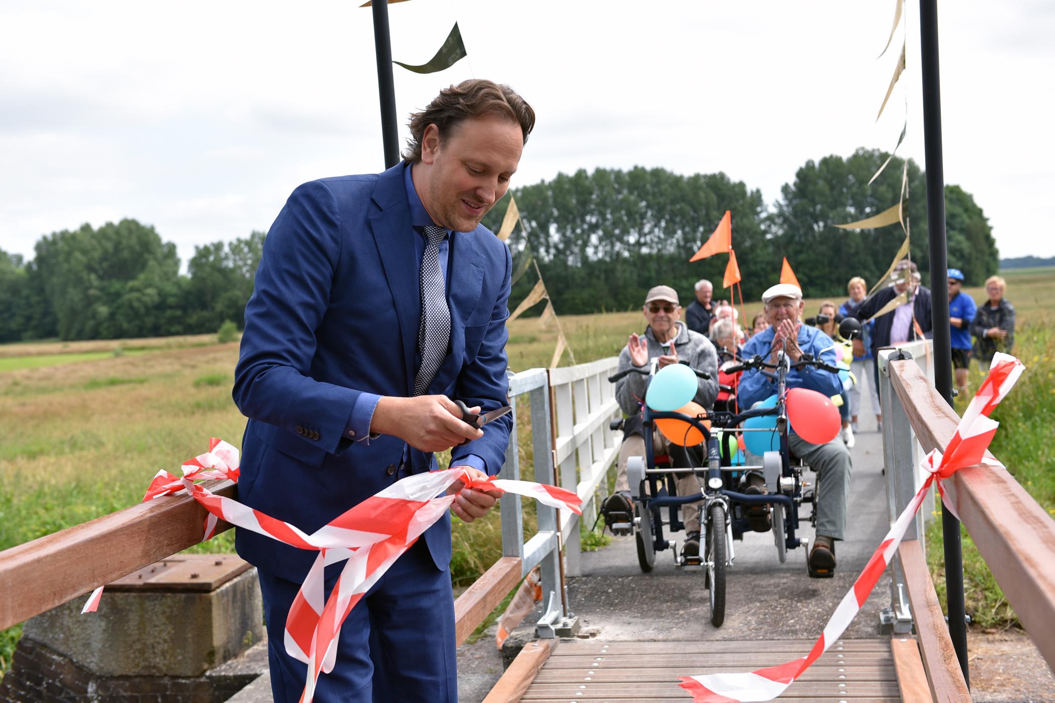 Feestelijke opening verbrede fietsbrug Driewegsluis